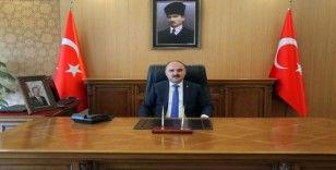 """Vali Günaydın:""""Bağımsızlık mücadelesi veren milletlere iham kaynağı olmuş Mustafa Kemal Atatürk'ü rahmetle anıyorum"""""""