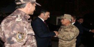 Orgeneral Arif Çetin, İl Emniyet Müdürlüğü ve İl Jandarma Komutanlığı'nı ziyaret etti