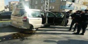 (Özel) TEM'de hareketli dakikalar, suçlu polis arabasını alıp kaçtı