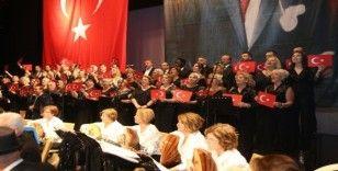 Atatürk, Atakum'da sevdiği şarkılarla anıldı