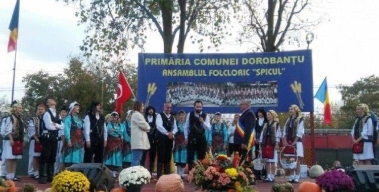 Çağdaş Anadolu Romanya'da İstiklal Marşını coşku ve gururla söyledi