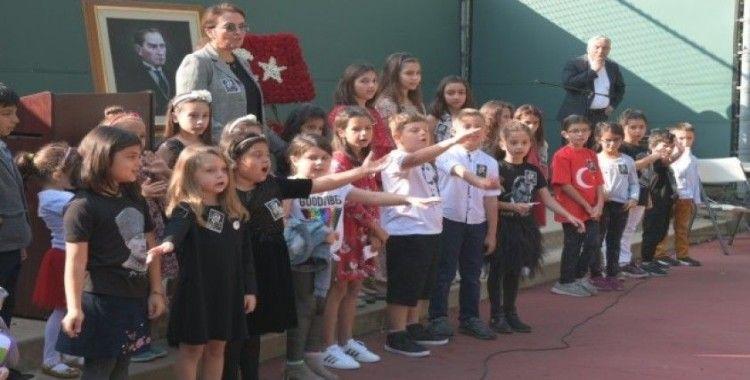 Ulu önder Atatürk, vefatının 81'inci yıl dönümünde Los Angeles'ta anıldı