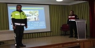 Tosya'da servis şoförlerine eğitim