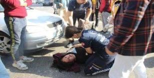 Yolun karşısına geçmek isteyen kadına otomobil çarptı