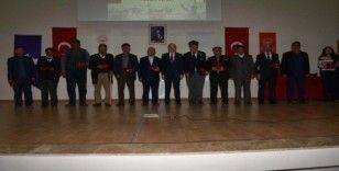 Kıbrıs gazileri madalyalarını aldı
