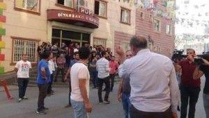 Diyarbakır HDP önünde gerginlik