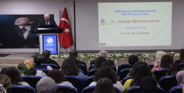 SAÜ'de, '21. Yüzyılda Öğretmen Olmak' konulu konferans düzenlendi