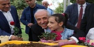 Akdeniz Belediyesi Meclis üyelerinden örnek davranış