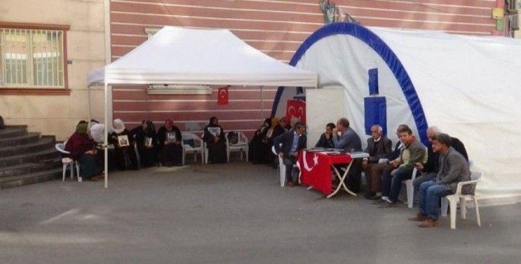 HDP önündeki ailelerin evlat nöbeti 73'üncü günde