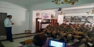 """Elazığ'da Jandarma personeline """"Hipotermi"""" eğitimi"""