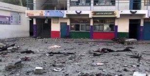 İsrail'in okul saldırılarına karşı Filistinli öğrencilerden protesto