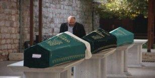 Bakırköy'de siyanür dehşetinde ölen aile son yolculuğuna uğurlandı