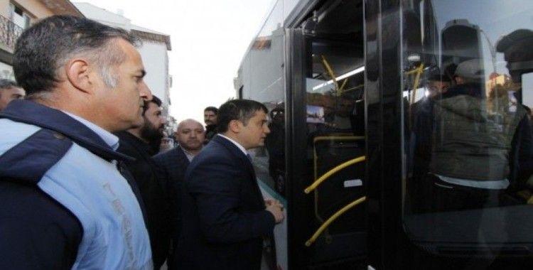 Erciş Kaymakamı ve Belediye Başkan Vekili Mehmetbeyoğlu halkla iç içe