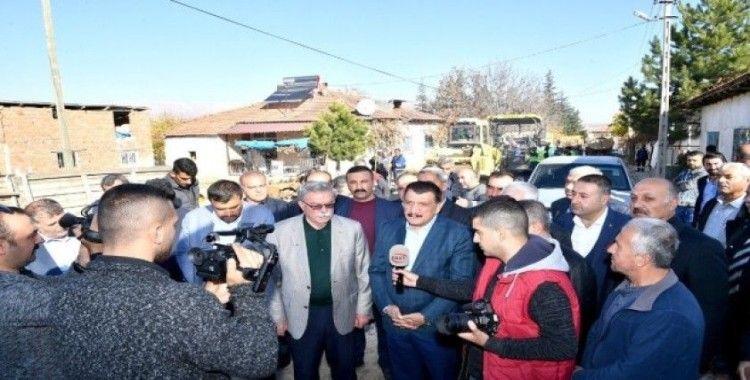 Başkan Gürkan, Doğanşehir'de incelemelerde bulundu