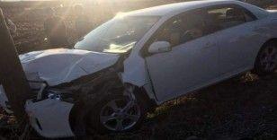 Siirt'te otomobil ile traktör çarpıştı: 2 yaralı