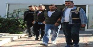 Borcu olan kişiyi alıkoydukları iddia edilen 5 kişi yakalandı
