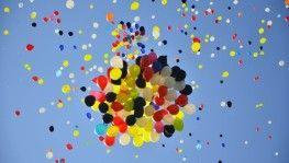 Öğretmenler 2 bin balon uçurdu