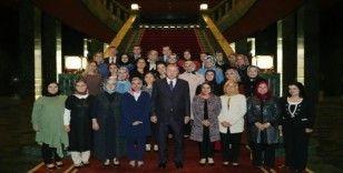 Cumhurbaşkanlığı Erdoğan halı dokuma fabrikasında çalışan kadınları kabul etti