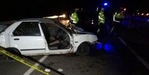 Kazada otomobilin kopan kapısından yola savrulan kadın hayatını kaybetti