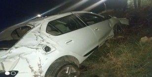 Hatay'da otomobil şarampole devrildi: 2 yaralı