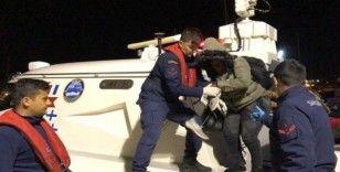 İzmir'de 14'ü çocuk 43 düzensiz göçmen yakalandı