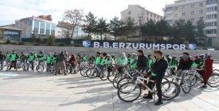 Üniversiteli öğrenciler sağlıklı nesil için pedalladılar