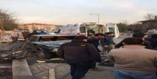 Yoldan çıkan otomobil inşaat işçilerine çarptı: 2 yaralı