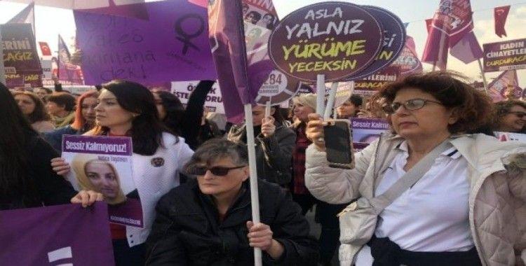 Kadıköy'de 'Kadına Şiddete Hayır' eylemi