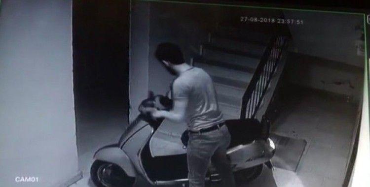 (Özel) Yaşlı adamın emekli maaşıyla aldığı motorunu çaldılar