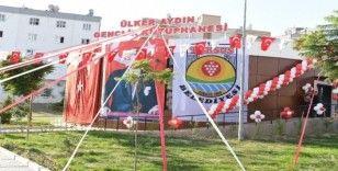 Tarsus'ta Ülker Aydın Gençlik Kütüphanesi hizmete açıldı