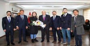 Bayburt Ülkü Ocaklarından Başkan Pekmezci'ye Öğretmenler Günü ziyareti