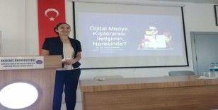 """Kumluca Sağlık Bilimleri Fakültesi'nde """"Dijital Medya"""" konuşuldu"""