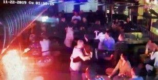 (Özel) Alkollü müşteri barda dehşet saçtı: 2 garson bıçaklandı