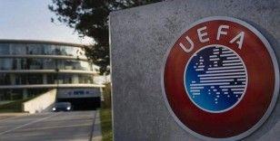 UEFA yılın 11'i için aday oyuncuları oylamaya sundu