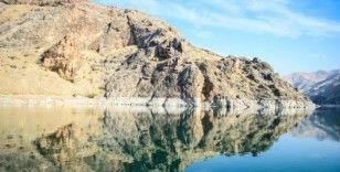 Fırat Nehri'nin 'saklı kanyonları' göz kamaştırıyor