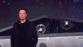 Lansmanda kırılmaz camı kırılan Tesla nasıl 200 bin sattı