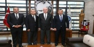 Eskişehirspor Başkanı Mustafa Akgören Kazım Kurt'u ziyaret etti