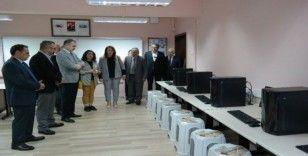 Silifke'de okullara bilgisayar desteği