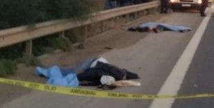 Otoyolda lastik değiştiren 4 kişiye tır çarptı: 3 ölü, 1 yaralı