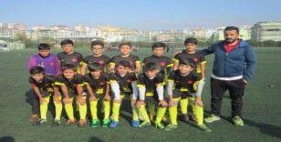 Şehitkamil'in yeşil sahalarında geleceğin futbolcuları yetişiyor