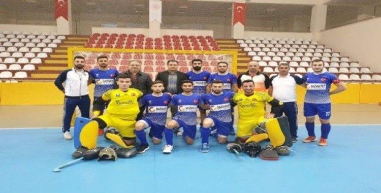 Hokey Süper Lig'inde Kasım kardeşlerin tatlı rekabeti