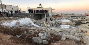 El Halil'de İsrail güçleri 4 Filistinlinin evini yıktı