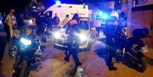 Şüpheli aracı kovalayan polis motosikleti kaza yaptı: 2 polis yaralı