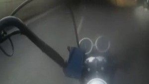Üzerilerine direksiyonu kıran sürücülere sert tepki gösterdiler