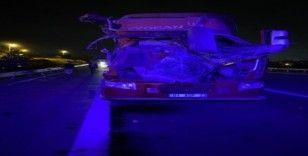 Kamyona çarpan kamyonun sürücüsü yaralandı