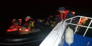 Çanakkale açıklarında 23 düzensiz göçmen yakalandı
