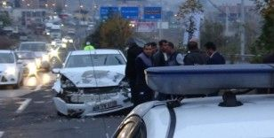 Diyarbakır'da zincirleme trafik kazası: 4 yaralı