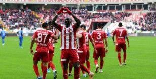 Lider Sivasspor sahasında kazandı