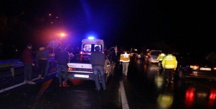 5 otomobil birbirine girdi: 4 yaralı