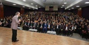 """Canik'ten """"Bilinçli Aile, Duyarlı Gençlik"""" konferansı"""